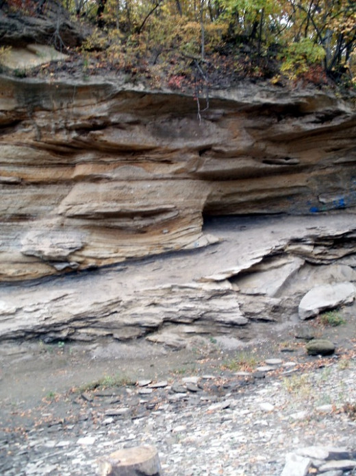 Rock formations at Echo Cliff