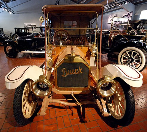 a 1911 Buick at the Gilmore Car Museum.