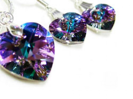 A great Mothers Day gift is a Swarovski pendant - like these ones I saw on Ebay for AU$14.62.