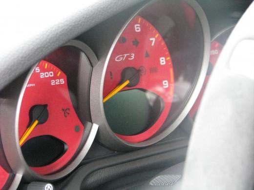 997.2 GT3 RS gauge cluster