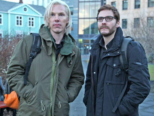 Benedict Cumberbatch and Daniel Bruhl star in the Fifth Estate, the story of Wikileaks founders Julian Assange and Daniel Berg.