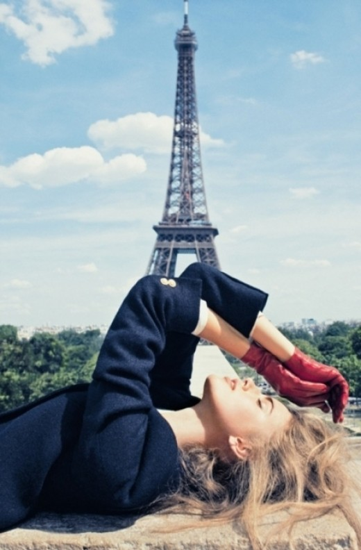 Pretty woman In heart of Paris