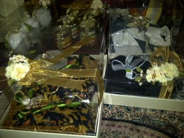 Parts of the presents brought by the groom family in  Lamaran (proposing the bride).
