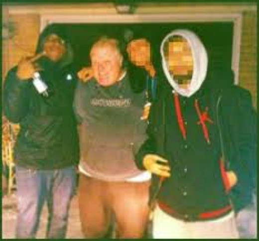 This photo was released by the individual who was seeking to sell a video of mayor Ford smoking crack cocaine. 1 person in this photo is now dead, the other 2 are now incarcerated.