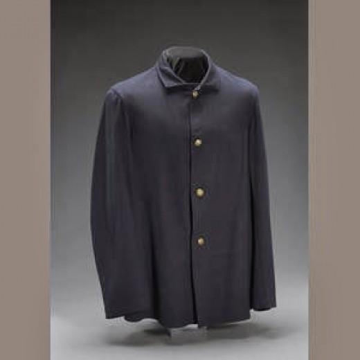 Fig. 9: Dark blue Fatigue Bouse (Sack Coat)