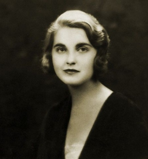 Woolworth heiress, Barbara Hutton, at one time was married to Cary Grant.