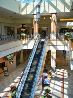 Mallanchor stores include Whole Foods, L.L. Bean, Macy's, and others.