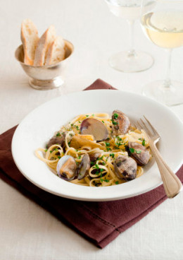 Subdued Italian food is served at the Golden Cowrie restaurant. Dress very neat casual here!