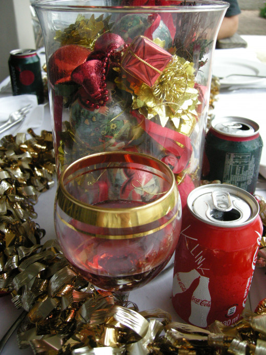 Add your tinsel to your Christmas table