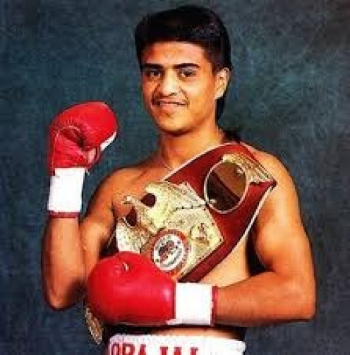 Michael Carbajal l was called Little Hands of Stone.
