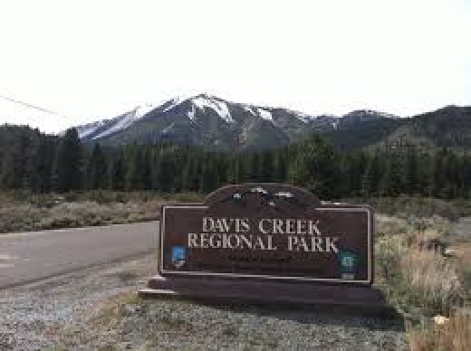 Davis Creek Sign