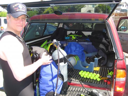 Preparation for day's second dive, Edmonds, WA
