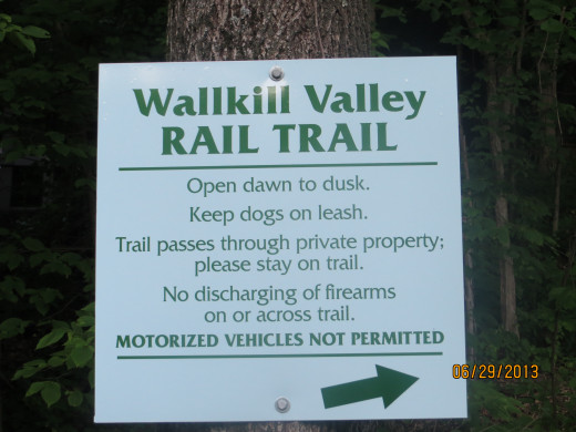A sign at the Binnewater end of the rail trail.