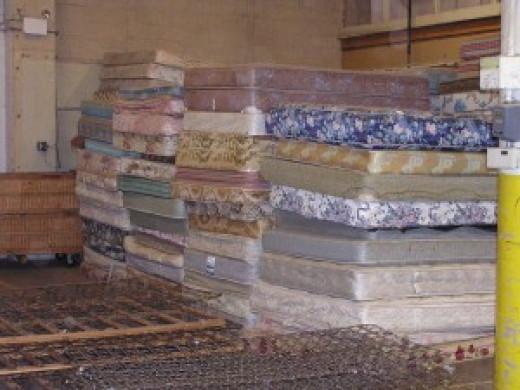 Recycling mattress center
