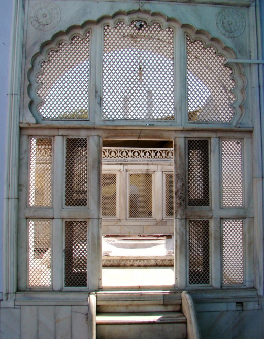 Jali work of Aurangjeb's tomb, Khultabad 2