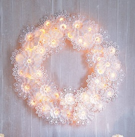 Paper Doily and airy Light Wreath DIY