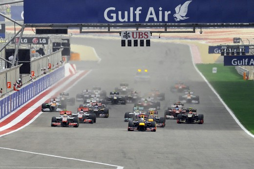 The start of the race at the 2012 Bahrain Grand Prix.