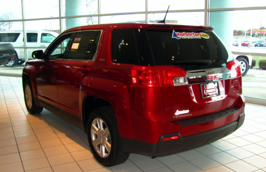Rear of Terrain provides good visibility for the driver, as well as low lift-over height for rear storage