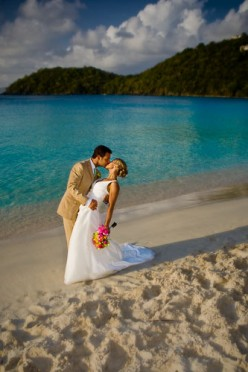 PERFECT BEACH WEDDING IDEAS: JUST PERFECT FOR YOUR BUDGET