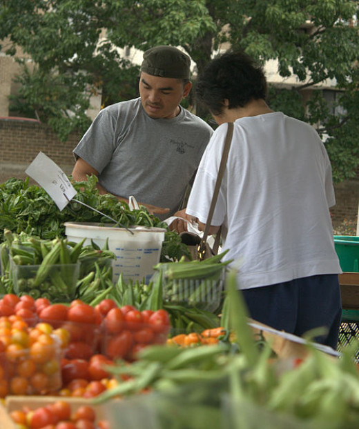 farmers' markets and fresh produce markets are the best choice for high quality fruit and vegetables that are relatively inexpensive