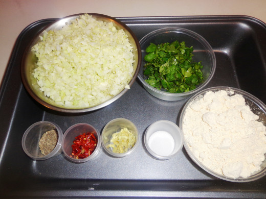 Ingredients to prepare cabbage kofta