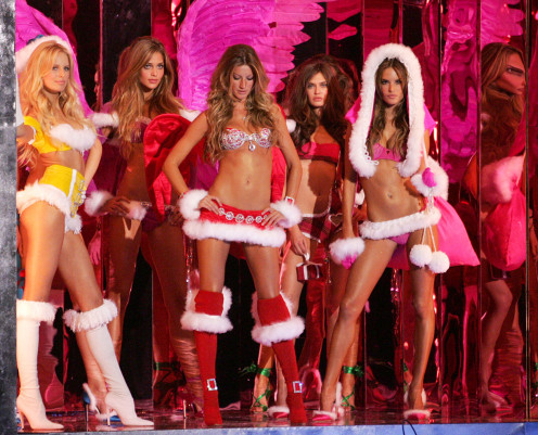 "Saul is relaxing with the Victoria's Secret girls and a cup of uh ""hot cocoa"" at The North Pole... Strip Club."