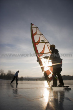 Iceboarding-Windsurfing Iced Up