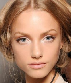 Sexy Holiday Makeup Looks:                      Eye Shadow, Lipstick & Lip Gloss