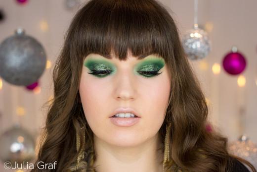 Bright Holiday Makeup