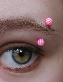 Eyebrow and Anti-Eyebrow Piercings - Aftercare, Risks, and Dealing with Pain and Infections