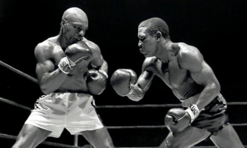 Dick Tiger beat Ruben Carter by a one sided ten round decision in a middleweight contest.