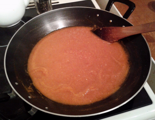 After simmering gently for 20 minutes your sauce should have  the consistency of a thick gravy.