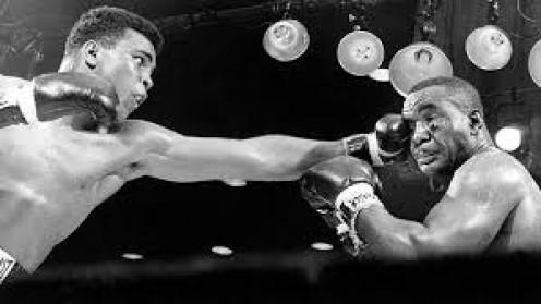 Muhammad Ali easily beat Sonny Liston to win the heavyweight championship in 1964.