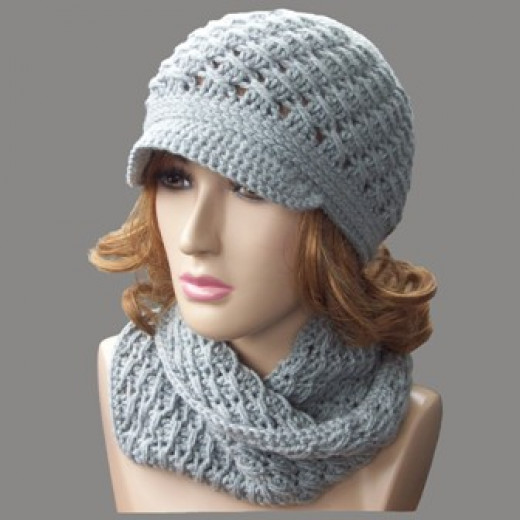 Matching Hat and Cowl Set