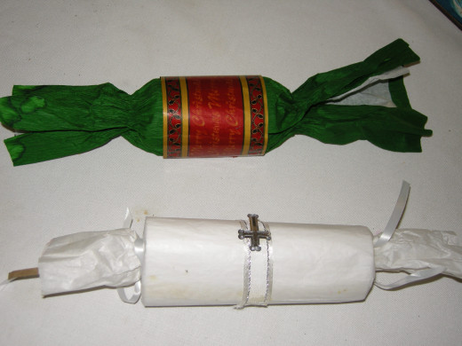 Personalised Christmas crackers are fun and easy to make.