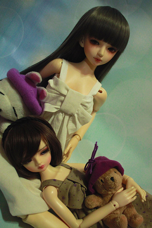 Stardust and my friend's doll Simone posing for a photoshoot