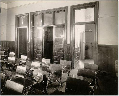 20th century schoolrooms to 1950.