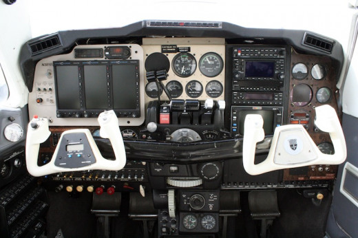Beechcraft Baron retrofitted with Aspen Evolution series