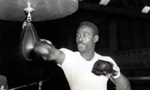 The Cincinnati Cobra Ezzard Charles beat Jersey Joe Walcott to become Heavyweight champion.