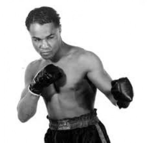 Henry Armstrong has the record for the most welterweight title defenses with 18.
