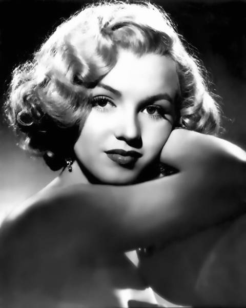 """Marilyn Munroe"" One of the great blond beauties of all time."""