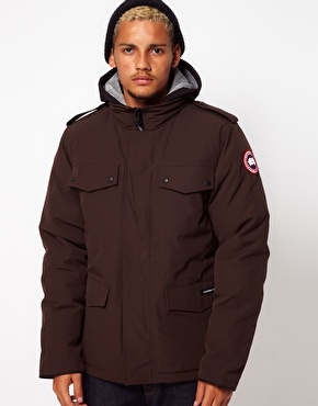 The Burnett jacket is known to be one of the most comfortable winter jackets to wear in cities
