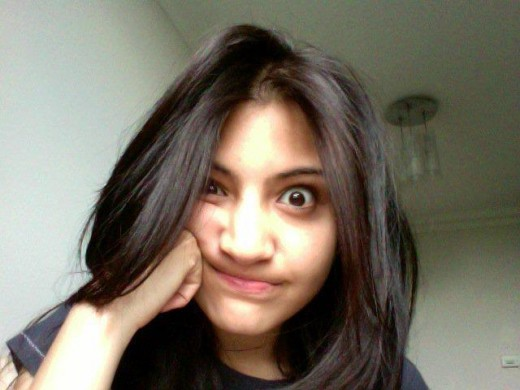 Anushka Sharma funny face :)