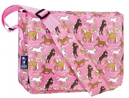 Children who love horses would gladly go to school wearing this cute pink equestrian bag