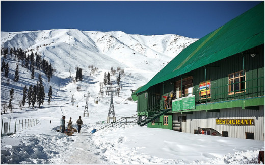 Gulmarg, the best skiing destination of Asia