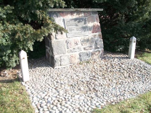 Old Grahamsville Cemetery pioneer cairn, Brampton, Peel Region, Ontario