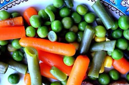 Carrots and peas are rich in soluble fiber, which may reduce the incidence of asthma attacks.