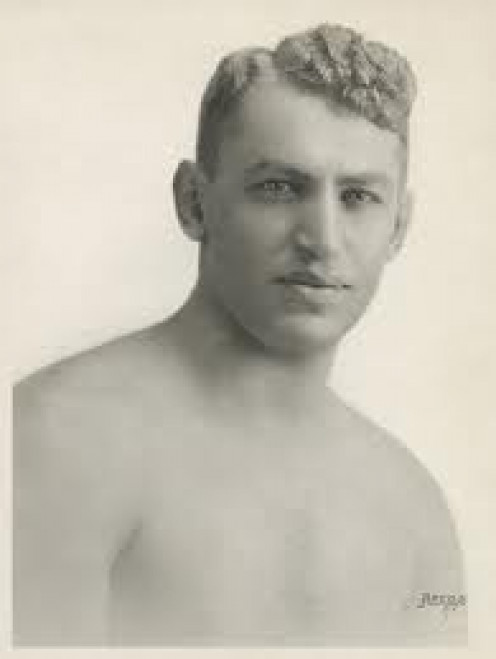 Battling Levinsky was a former light heavyweight champion who also took on the best heavyweights of his era.