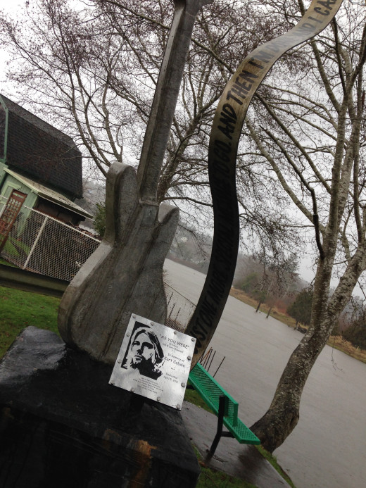 This is a thirteen ft tall Fender Mustang guitar statue just beside the bride that has been dedicated in Kurt's Honor. Kurt often played guitars that looked just like this one.