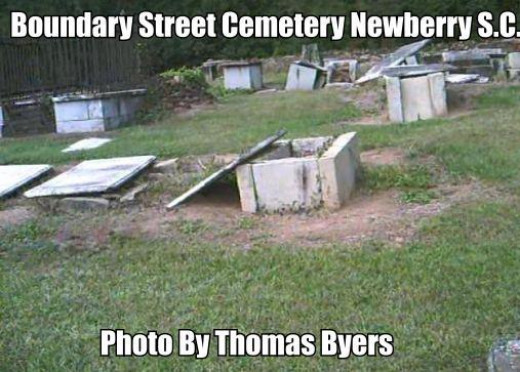 Notice the bad condition of this cemetery. There has not been a burial here in over 100 years.